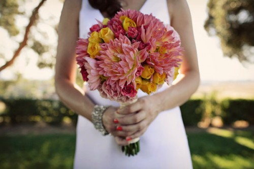 diy-wedding-bouquet-pink-orange
