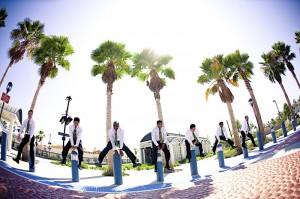 groomsmen-goofing-off
