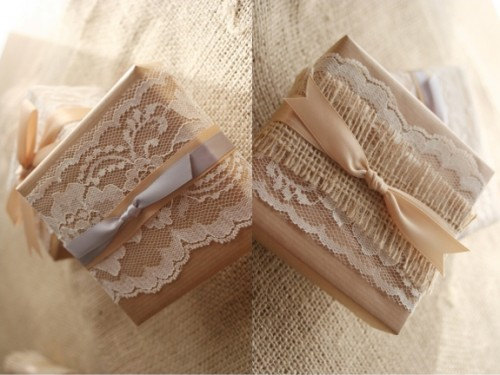 lace-and-ribbon-favor-boxes