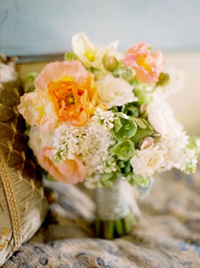peach-white-green-bouquet