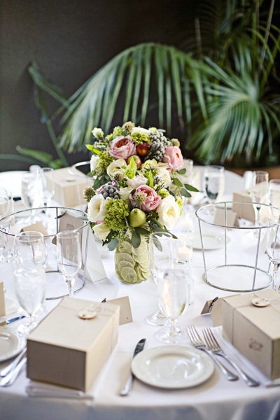 pink-green-gray-tablescape-centerpieces-limes-berries
