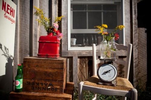 vintage-farm-wedding-shoot