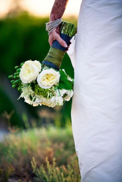 white-peony-bouquet-diy-flowers