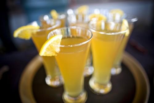 beer-with-lemon-wedge