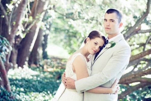 bride-and-groom-in-ivy
