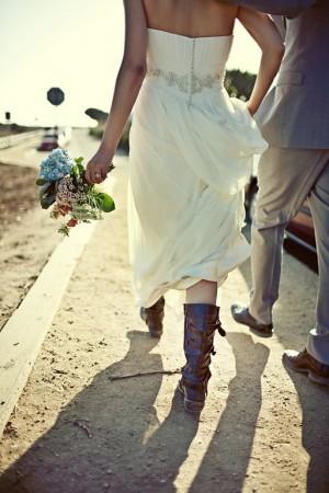 bride-in-combat-boots