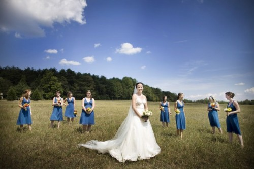 bridesmaids-blue-dresses