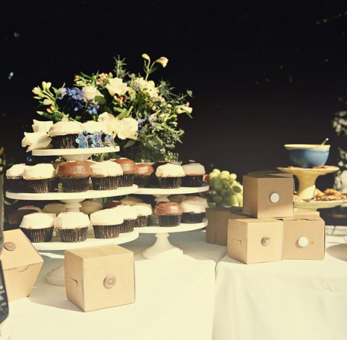 cupcakes-and-favor-boxes
