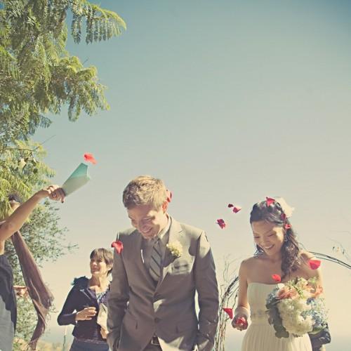 flower-petal-toss-wedding
