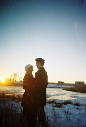 frozen-pond-engagement-photos-18