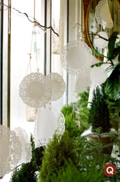 hanging-doilies-decor