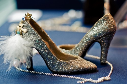 silver-glitter-shoes