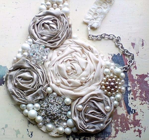 silver-pearl-statement-necklace