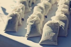 stamped-muslin-favor-bags