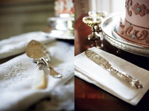 vintage-silver-cake-cutter