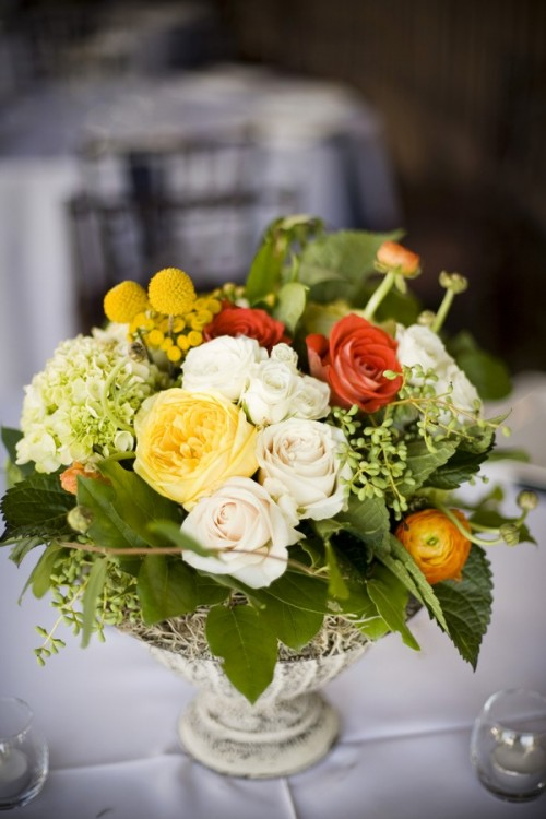 yellow-white-pink-centerpieces