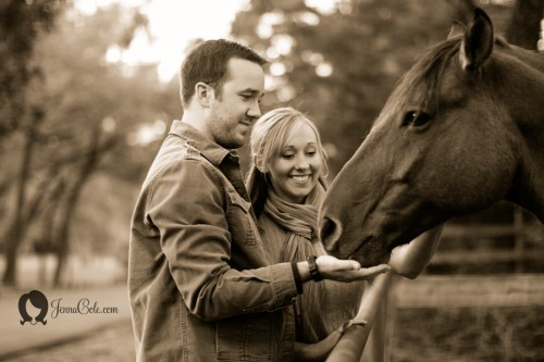 engagement-photos-with-horses
