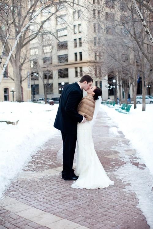 winter-wedding-snow-12