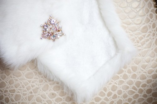 bridal-stole-and-pin