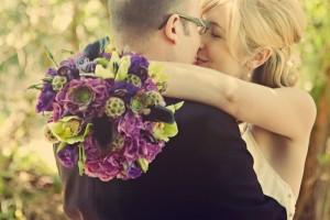 bride-with-purple-bouquet-1