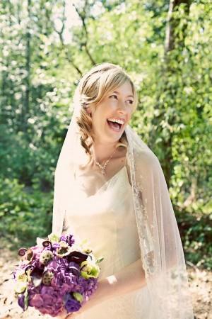 bride-with-purple-bouquet-2