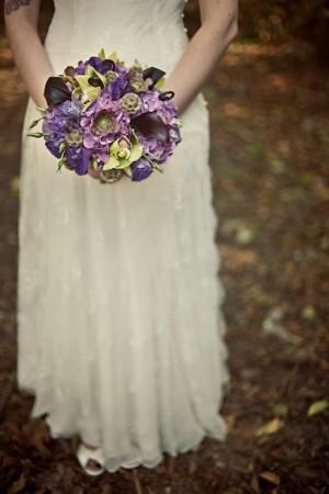 bride-with-purple-bouquet-3