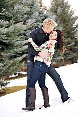covered-bridge-snow-engagement-session-5