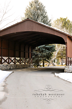 covered-bridge-snow-engagement-session-6