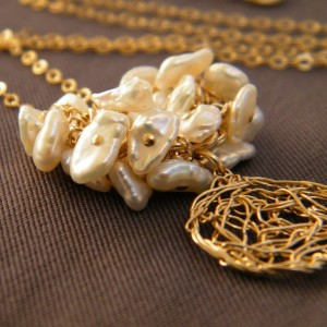 crocheted-gold-necklace