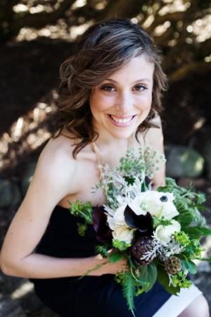 exotic-modern-green-bridesmaids-bouquet