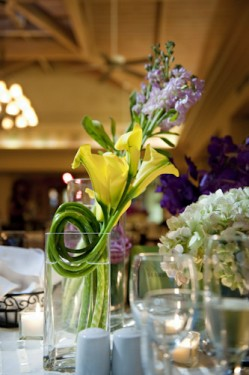 exotic-yellow-and-green-centerpieces-wedding-ideas
