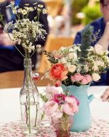 flowers-in-jars-wedding-centerpiece-ideas