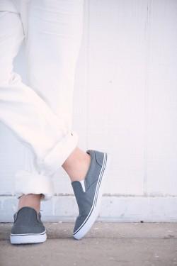 glamorous-gray-engagement-photos-2