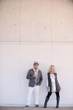 glamorous-gray-engagement-photos-4