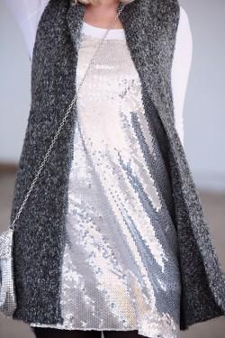 glamorous-gray-engagement-photos-8