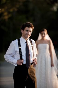 groom-suspenders