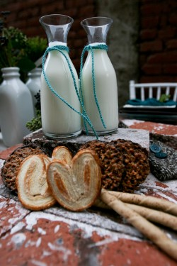 mini-milk-carafes