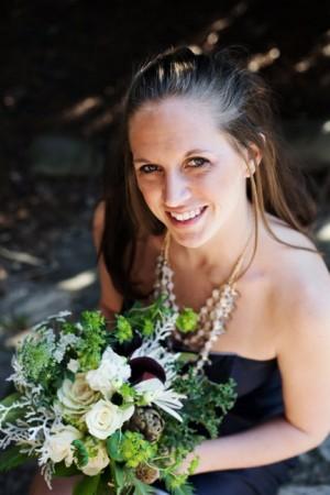 navy-bridesmaids-dresses-green-bouquet