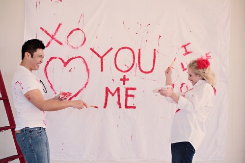 paint-your-love-red-and-white-engagement-photos-7