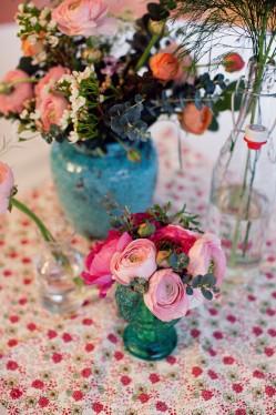 pink-flowers-in-blue-vase-romantic-wedding-ideas