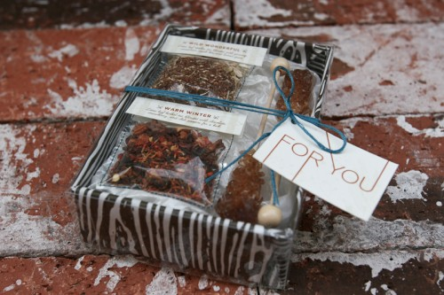 rock-candy-and-tea-favors