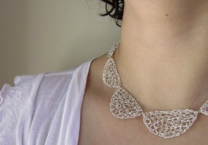 silver-wire-necklace