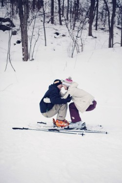 skiing-engagement-photos-bear-creek-mountain-11