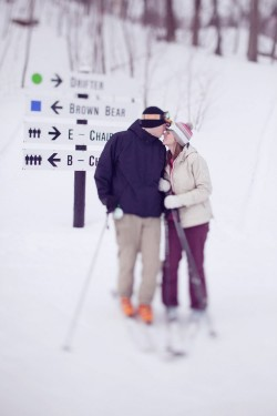 skiing-engagement-photos-bear-creek-mountain-13