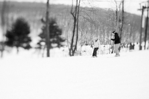 skiing-engagement-photos-bear-creek-mountain-9