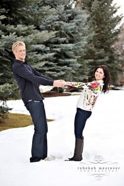 snowy-engagement-photos-5
