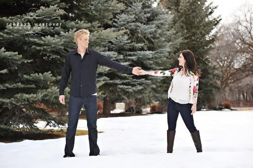 snowy-engagement-photos-7