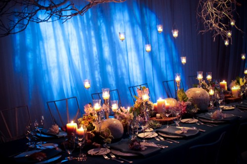 votives-hanging-from-branches-modern-estate-table-centerpiece