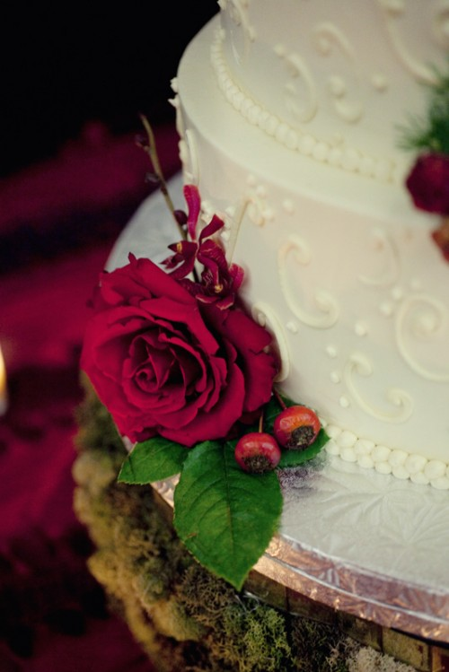 White Wedding Cake With Red Flowers Elizabeth Anne Designs The