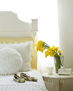 yellow-and-white-bedroom-inspiration